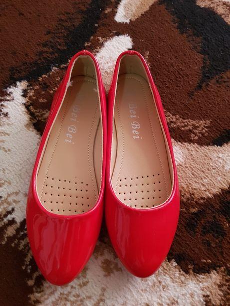 Pantofi balerini