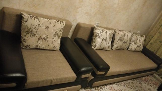 Диван + кресло в отличном состоянии.