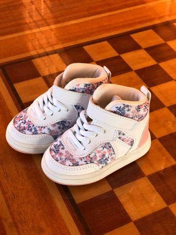 Детские кроссовки  H&M