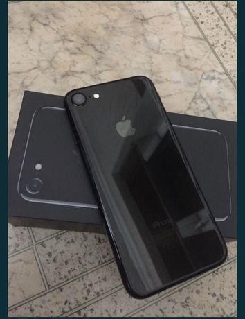 Айфон 7   Jet black