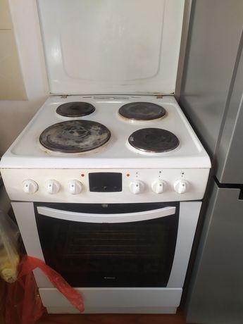 Электрическая кухонная плита Hansa