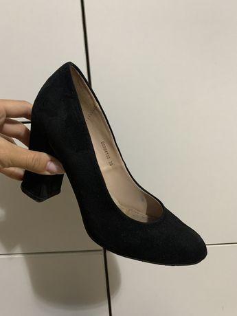 Туфли 35-36 размер 2000 тг
