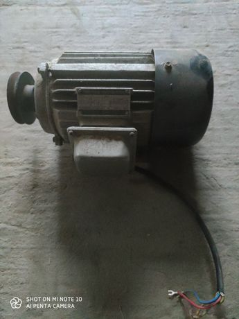 3 фазный индукционный эл.двигатель.