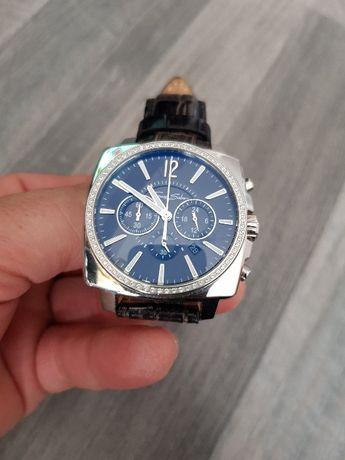 Продавам часовник Thomas Sabo и дамски часовник Sektor