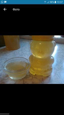 Свежий акациевый мёд, акация,белый мёд