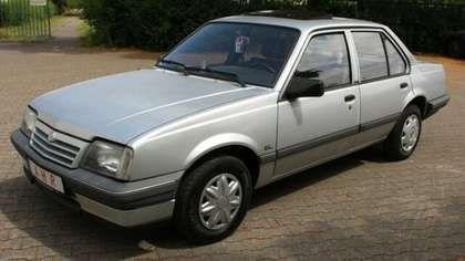 Dezmembrez Opel Ascona C Sedan, 1.6 Benzina, an 1986