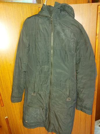 Продам куртку на весну