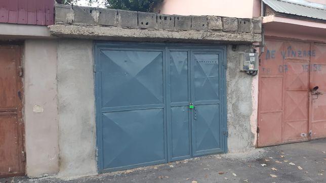 Închiriez sau vând garaj
