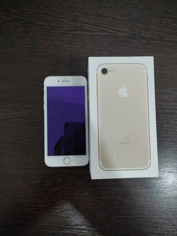 Продам Айфон 7 gold