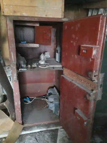 Продам сейф для хранения ценных вещей