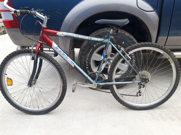 Bicicletă cu roți pe 26