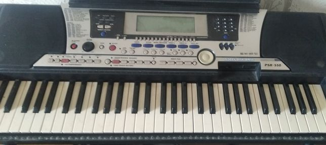 Yamaha psr 550 отличный синтезатор