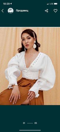 Модная блузка белая