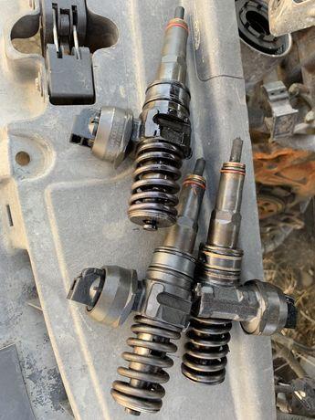 Injector injectoare golf 5 passat touran skoda audi 1.9 BXE BKC BLS