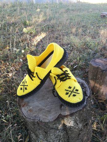Pantofi lucrați manual