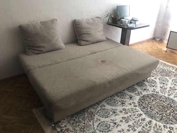 Срочно продам диван складной