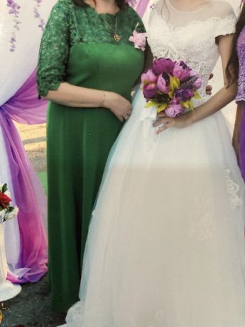 Платье 46-48 размер состояние нового