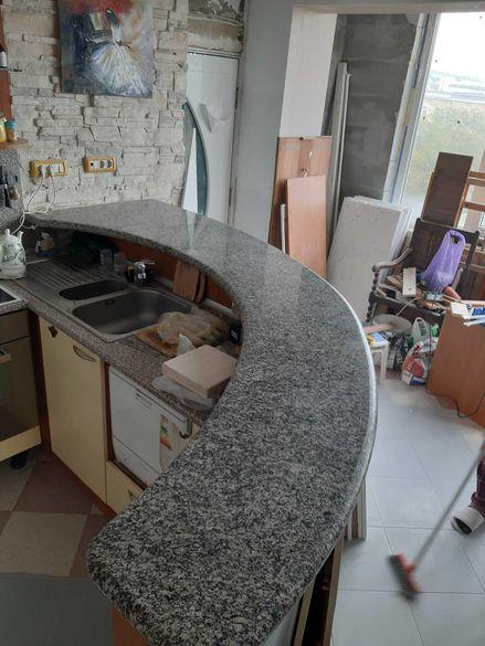 Кухненский плот от натурален камък гранит ,полукръгла