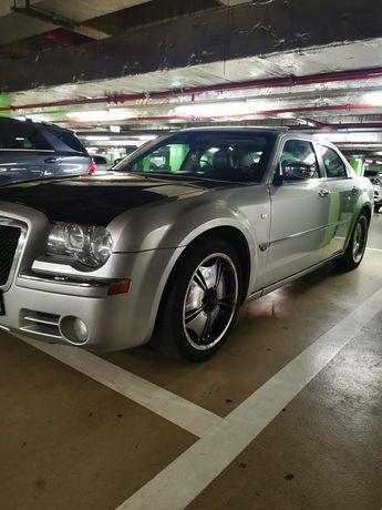 Chrysler 300C. Auto exclusivist