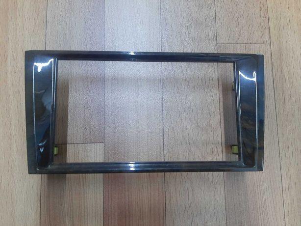 Продам Переходная рамка магнитолы Toyota Avalon  с 2000 до 2002