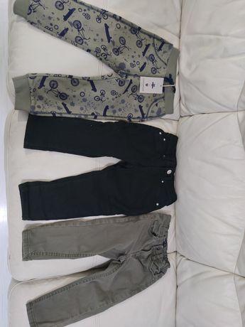 Vând lot 3 perechi pantaloni blugi 92