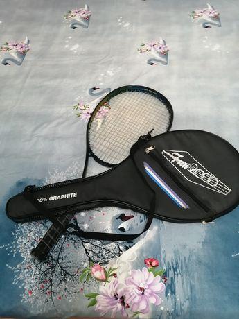 Vând rachetă de tenis pentru juniori plus patru mingi gratis