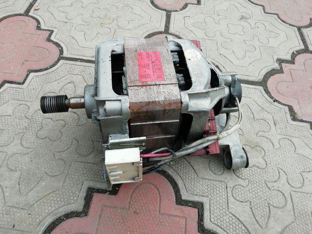 Двигатель и насос от стиральной машины Samsung