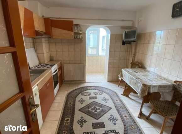 Apartament de vanzare, 2 camere in zona Craiovita Noua, 50mp