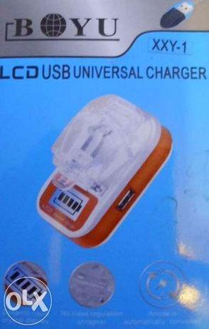 Универсално зарядно устройство за батерии с LCD