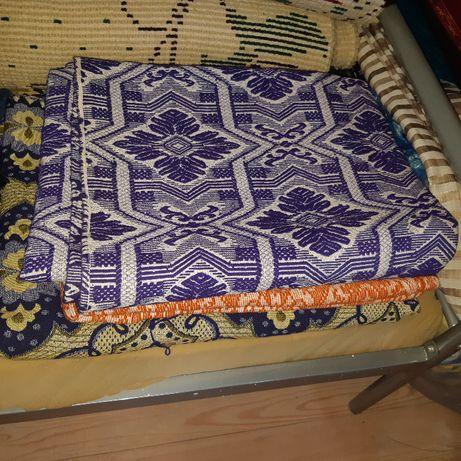 Жакардови тъкани чаршафи