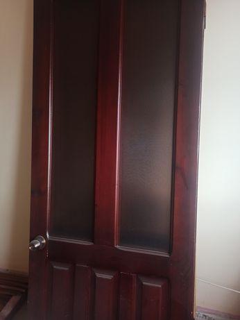 Продам двери столярка б/у в хорошем состоянии с коробкой!