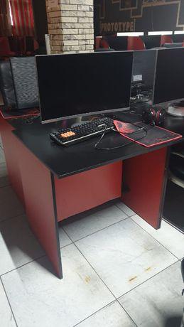 Компьютерные столы и стулья для компьютерного клуба