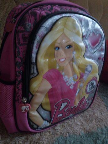 Яркий красивый рюкзак вместительный и прочный