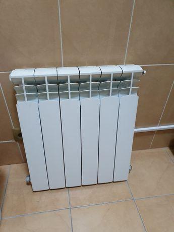 Продам радиатор и электрический конвектор