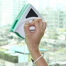 Смарт четка за почистване на прозорци
