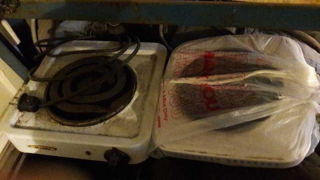Электро-плита два экземпляра.