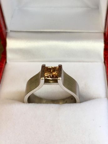 Tension ring white gold 18k Pricess with fancy brown diamond 0.66ct