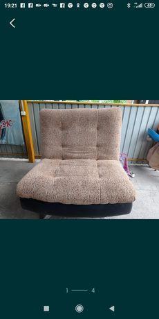 Два раскладывающихся кресла и диван софаЗвонить или писать на вотсап.