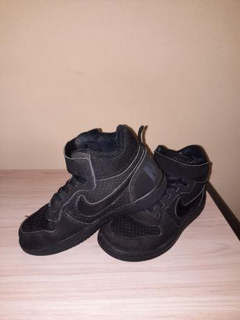 Маратонки Nike, сандали, кецове