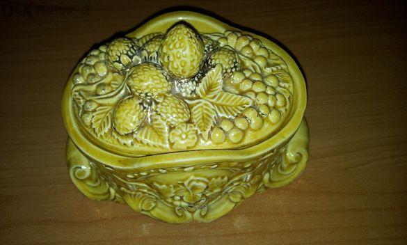 Стара кутия за бижута