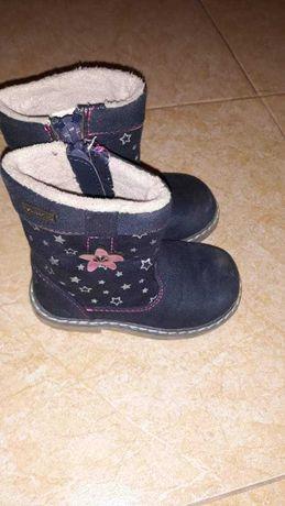 Зимни ботушки за малко краче