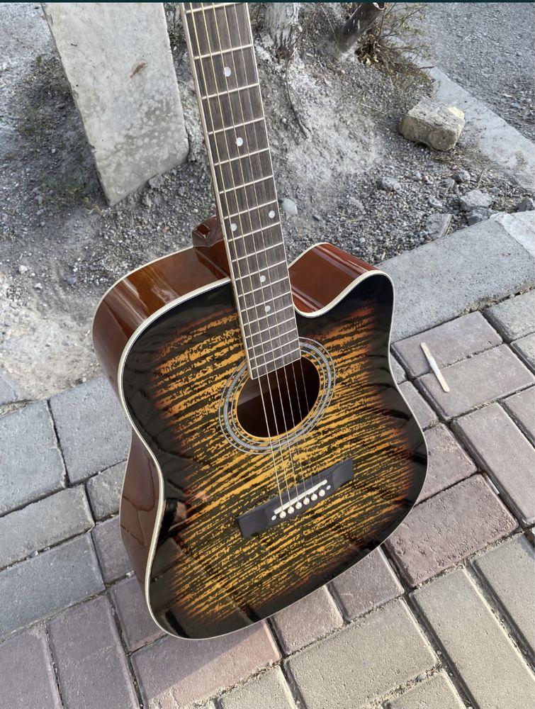 Продается гитара Adagio