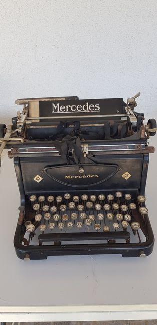 Vând masina de scris