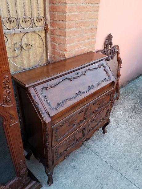 Comodă cu oglindă în stil baroc