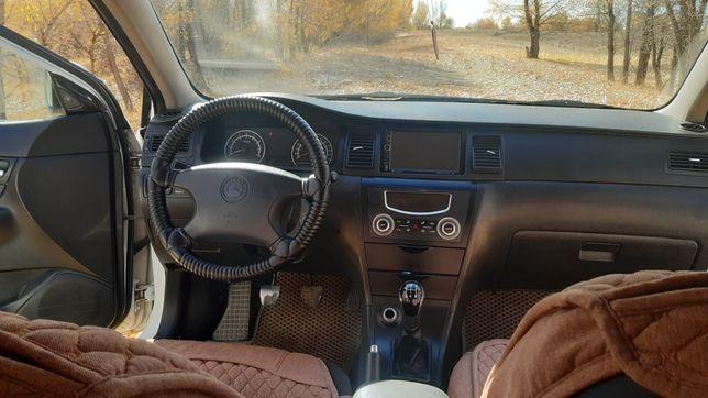 Автомобиль джели sc7