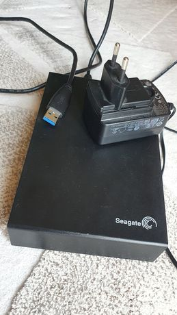 Vand hard disk extern 1 TB, Seagate, cu alimentare proprie
