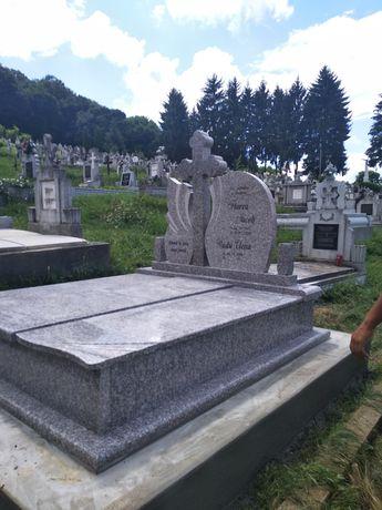 monumente funerare din granit de vanzare