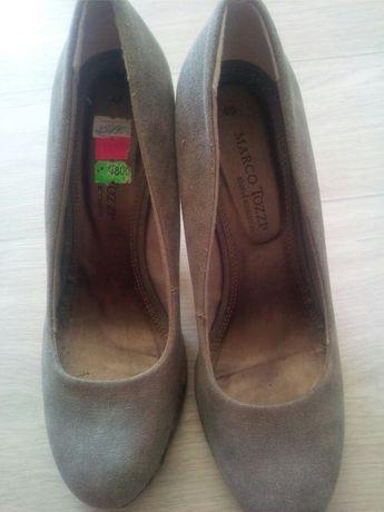 Продам туфли 40 размера