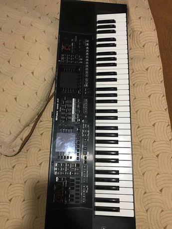 Vând orga Roland E-A7 in stare foarte buna.O vând pentru ca am achiziț