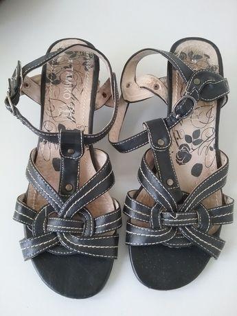 Sandale negre din piele naturală